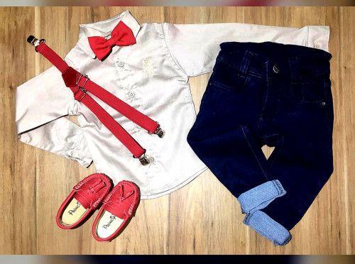 Calça Jeans com Suspensório e Camisa Manga Longa com Gravata