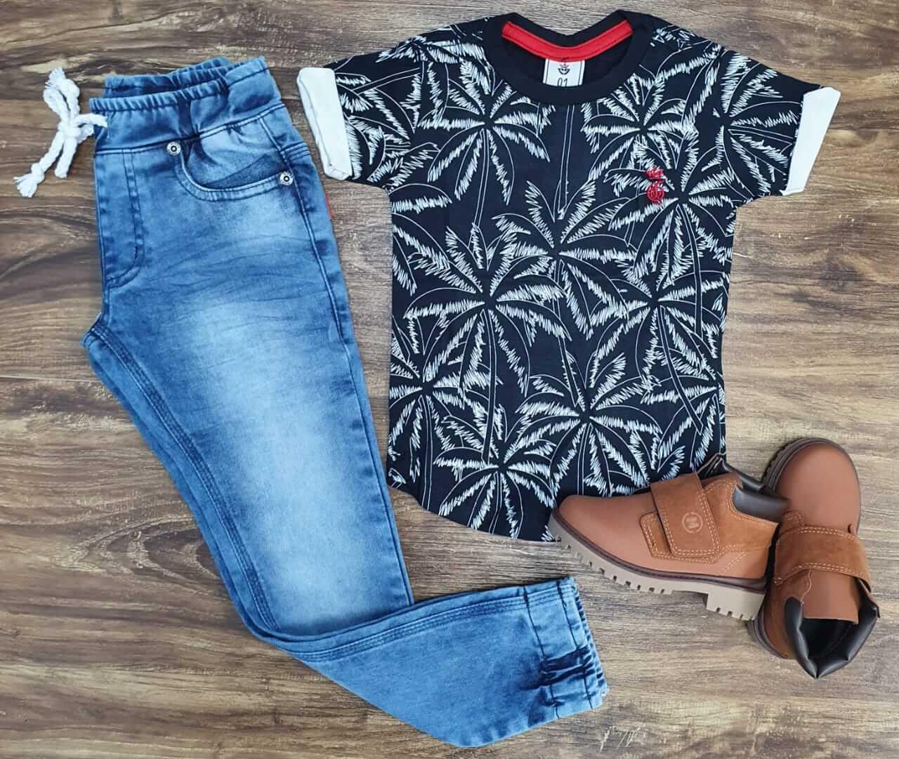 Calça Jeans Jogger com Camiseta Coqueiros Infantil