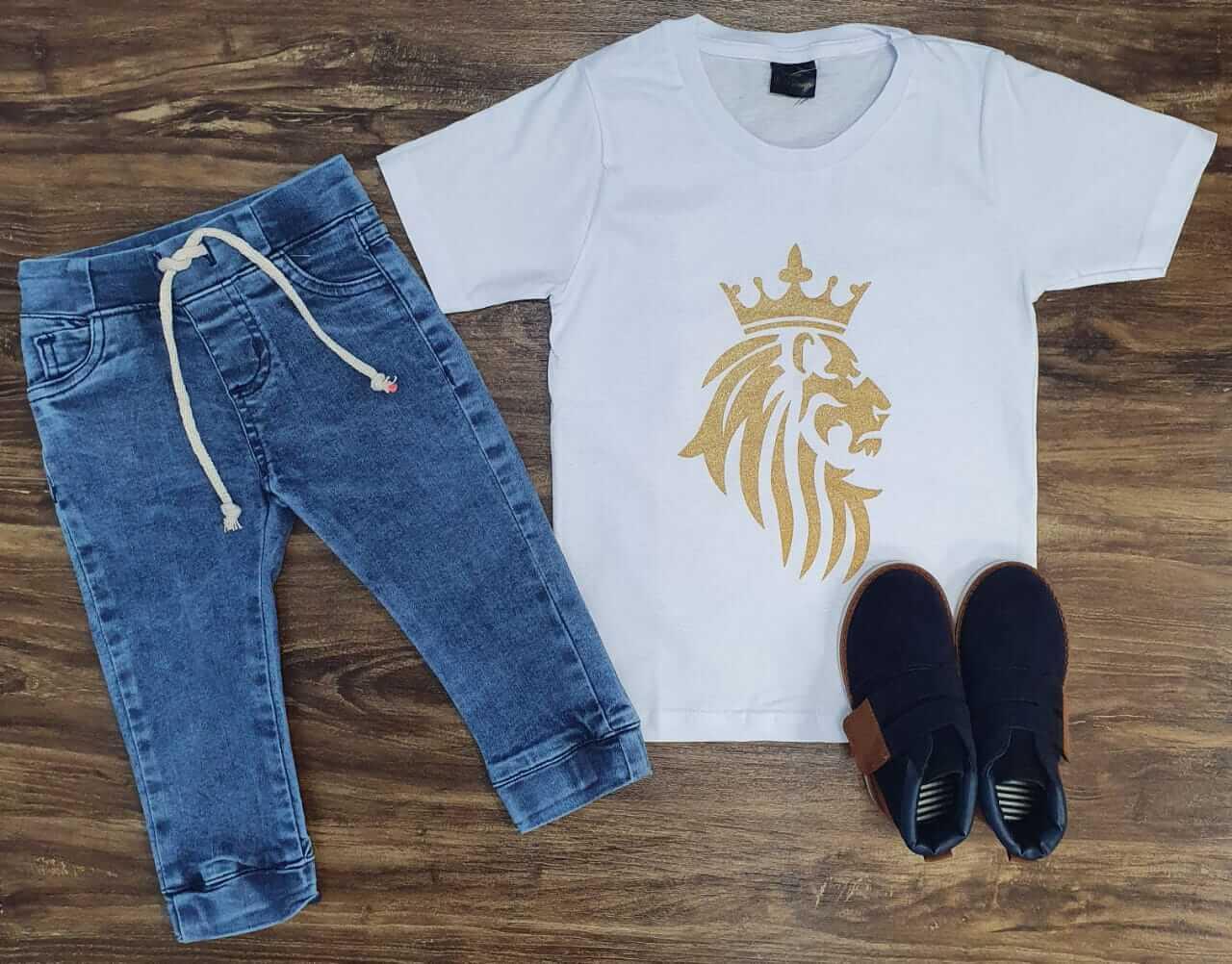 Calça Jeans Jogger com Camiseta Infantil