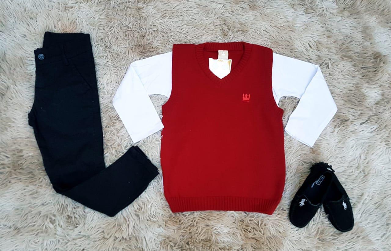Calça Preta com Colete Vermelho e Camiseta Manga Longa Lisa Branca