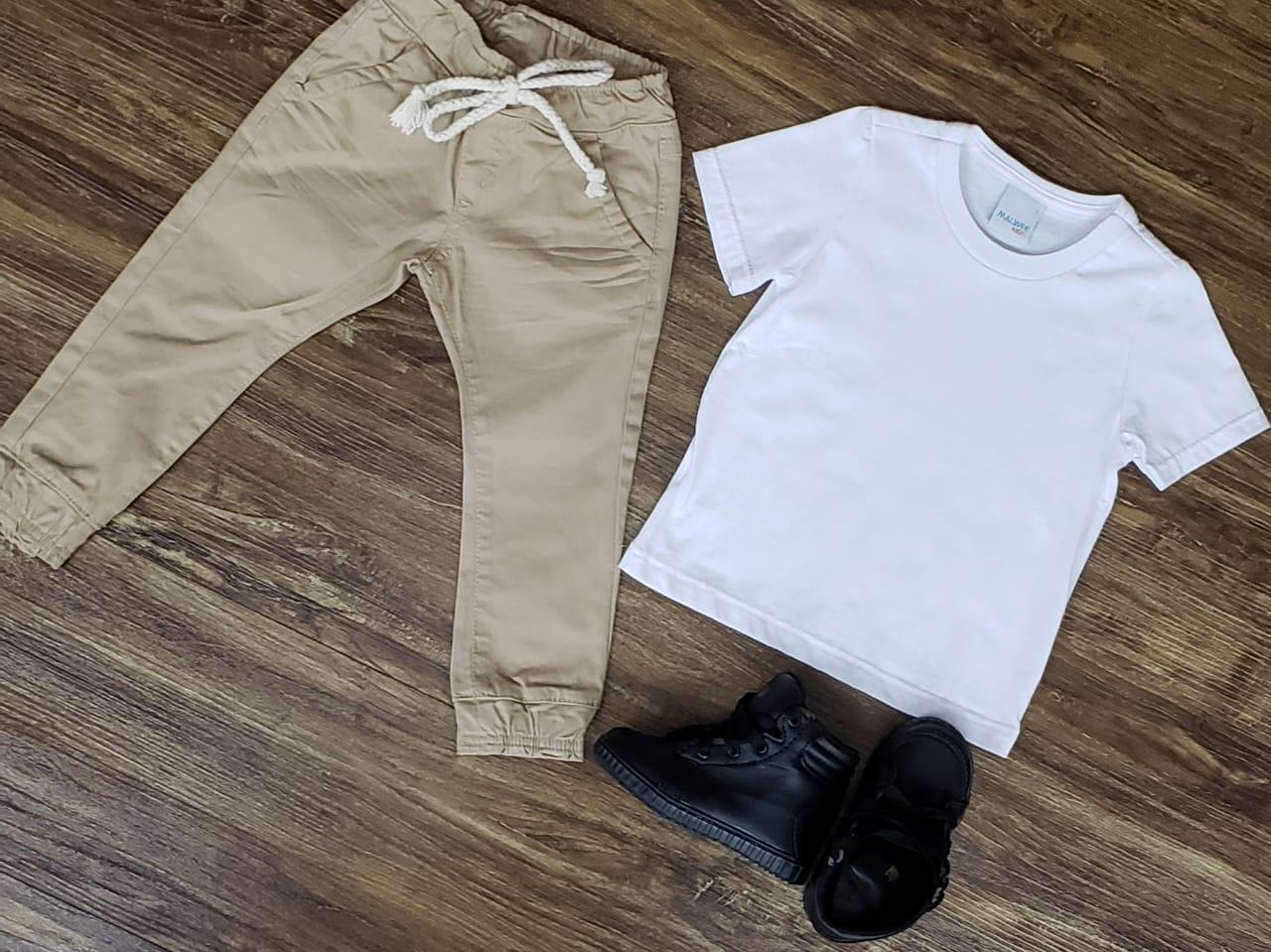 Calça Jogger Nude com Camiseta Branca