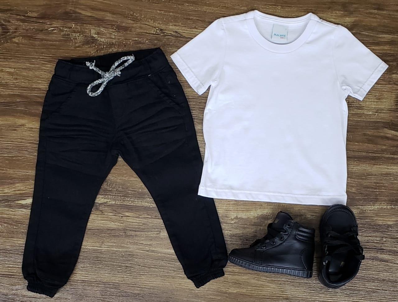 Calça Jogger Preta com Camiseta Branca