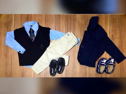 Calça Nude com Colete e Camisa Social com Gravata e Blazer