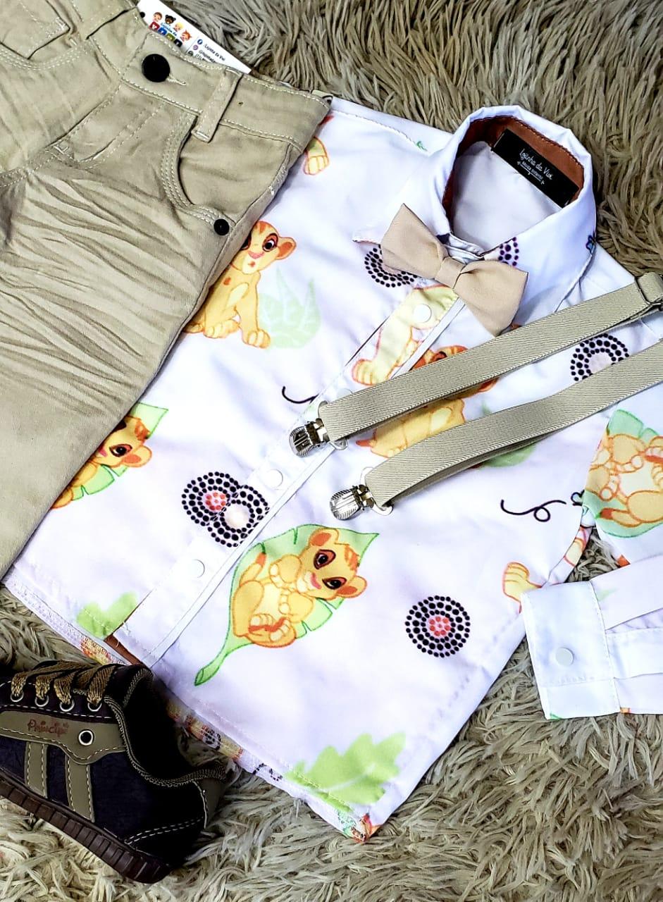 Calça Nude com Suspensório e Camisa Rei Leão com Gravata