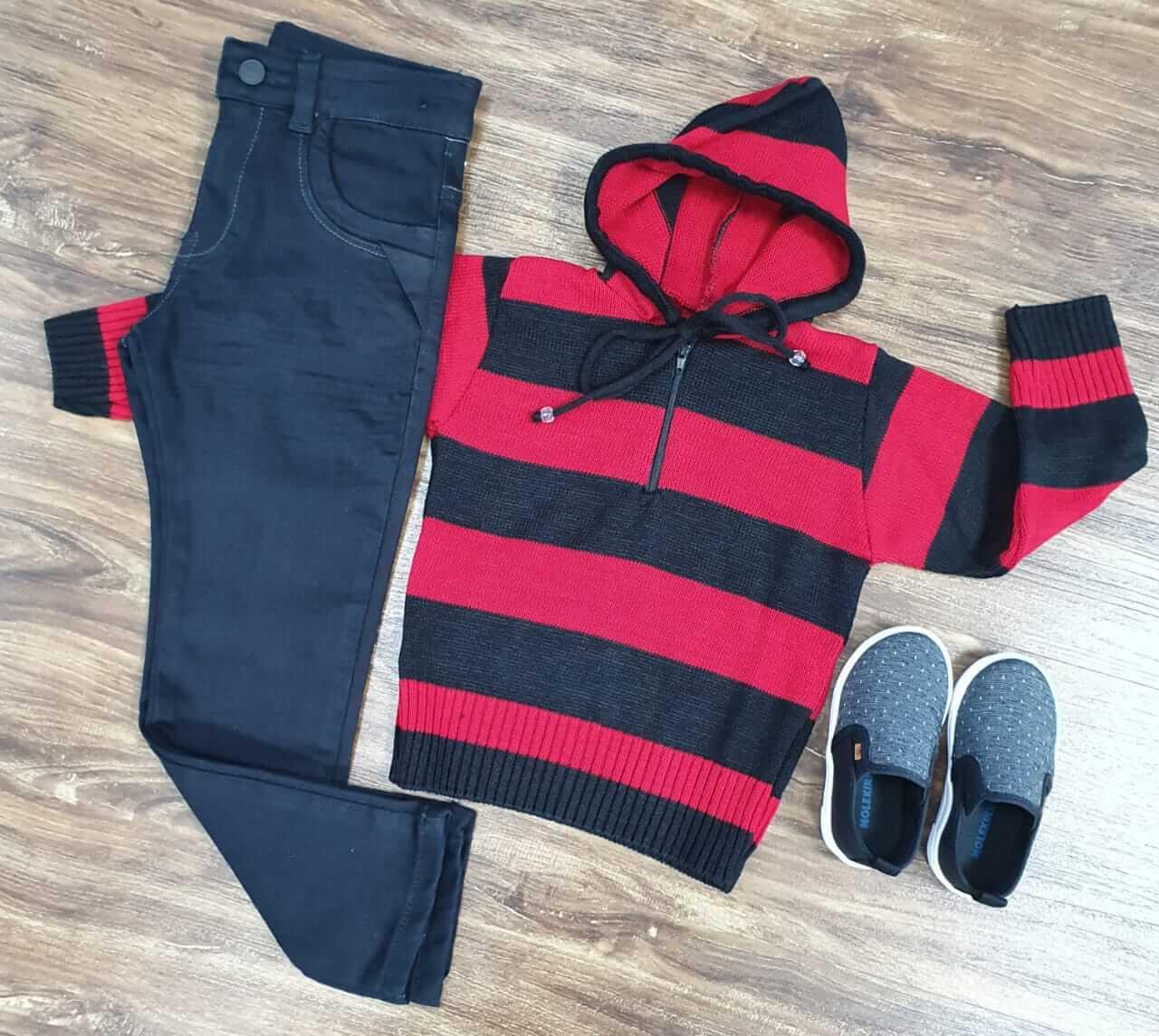 Calça Jeans Preta com Blusa de Capuz Infantil