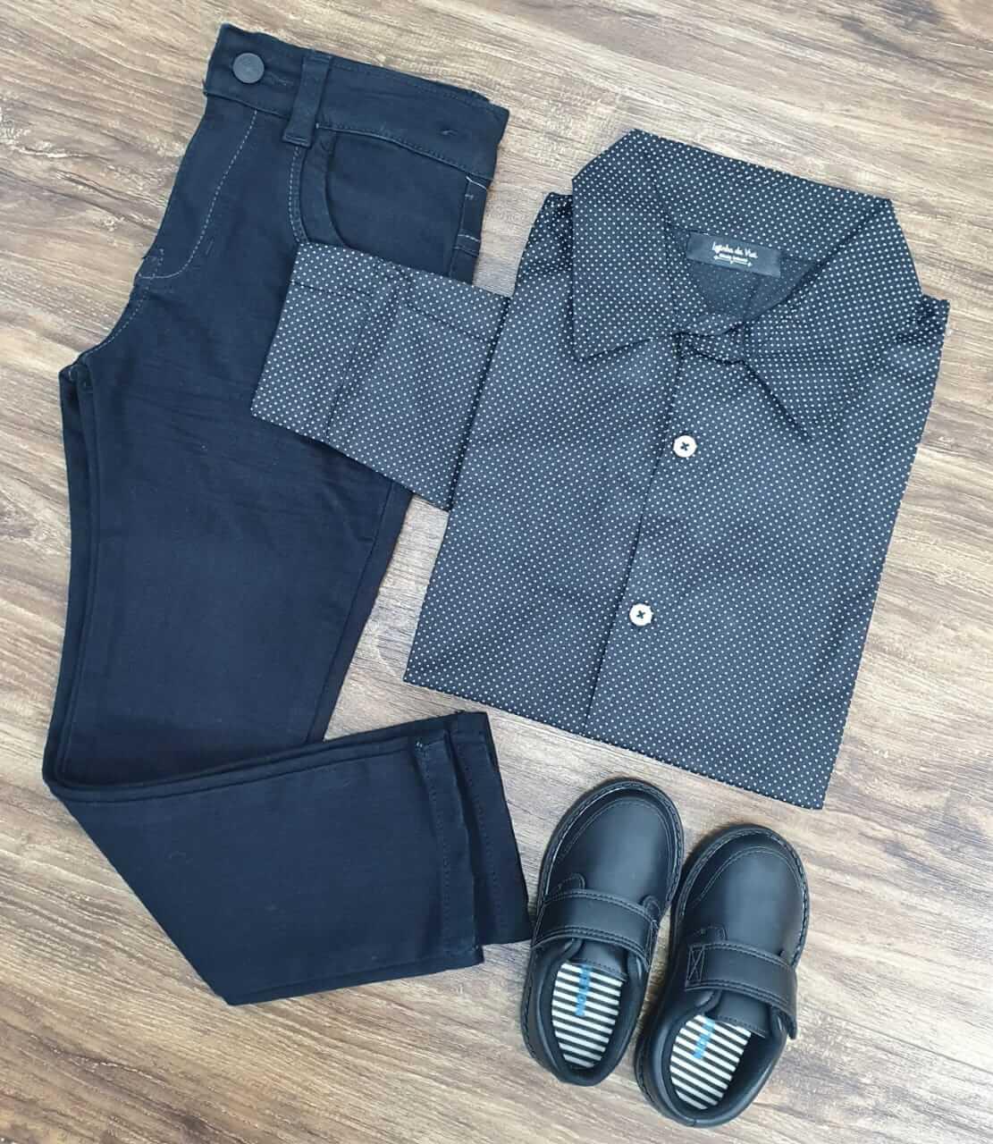 Calça Preta com Camisa Manga Longa