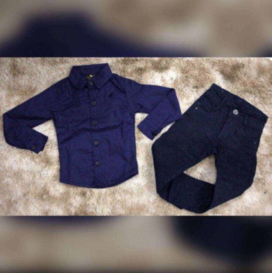 Calça Preta com Camisa Manga Longa Azul
