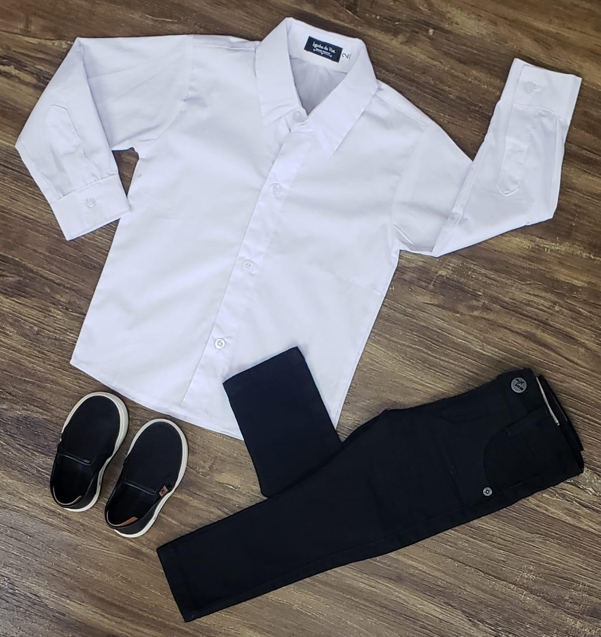 Calça Preta com Camisa Manga Longa Branca