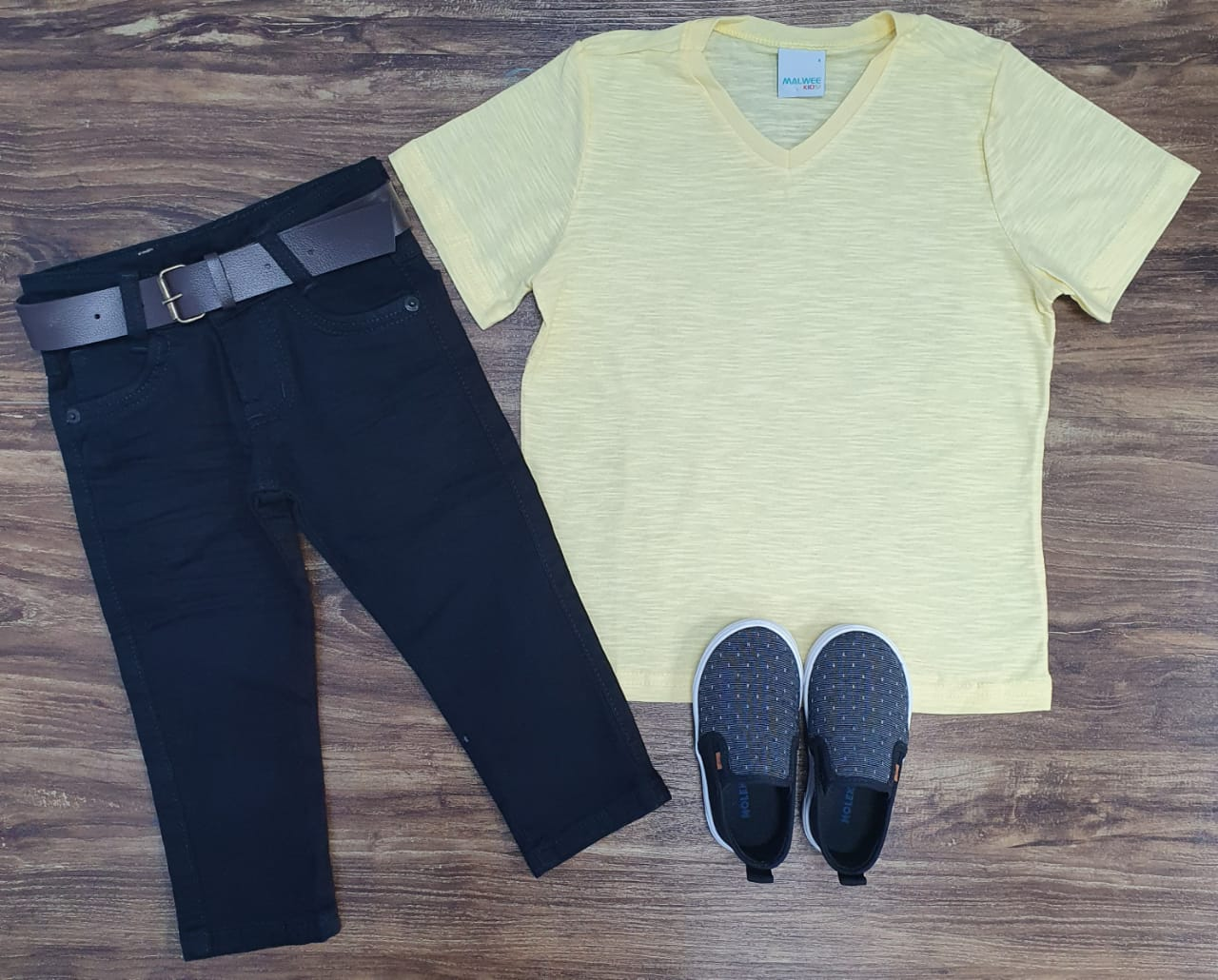 Calça Preta Com Camiseta Amarela Infantil