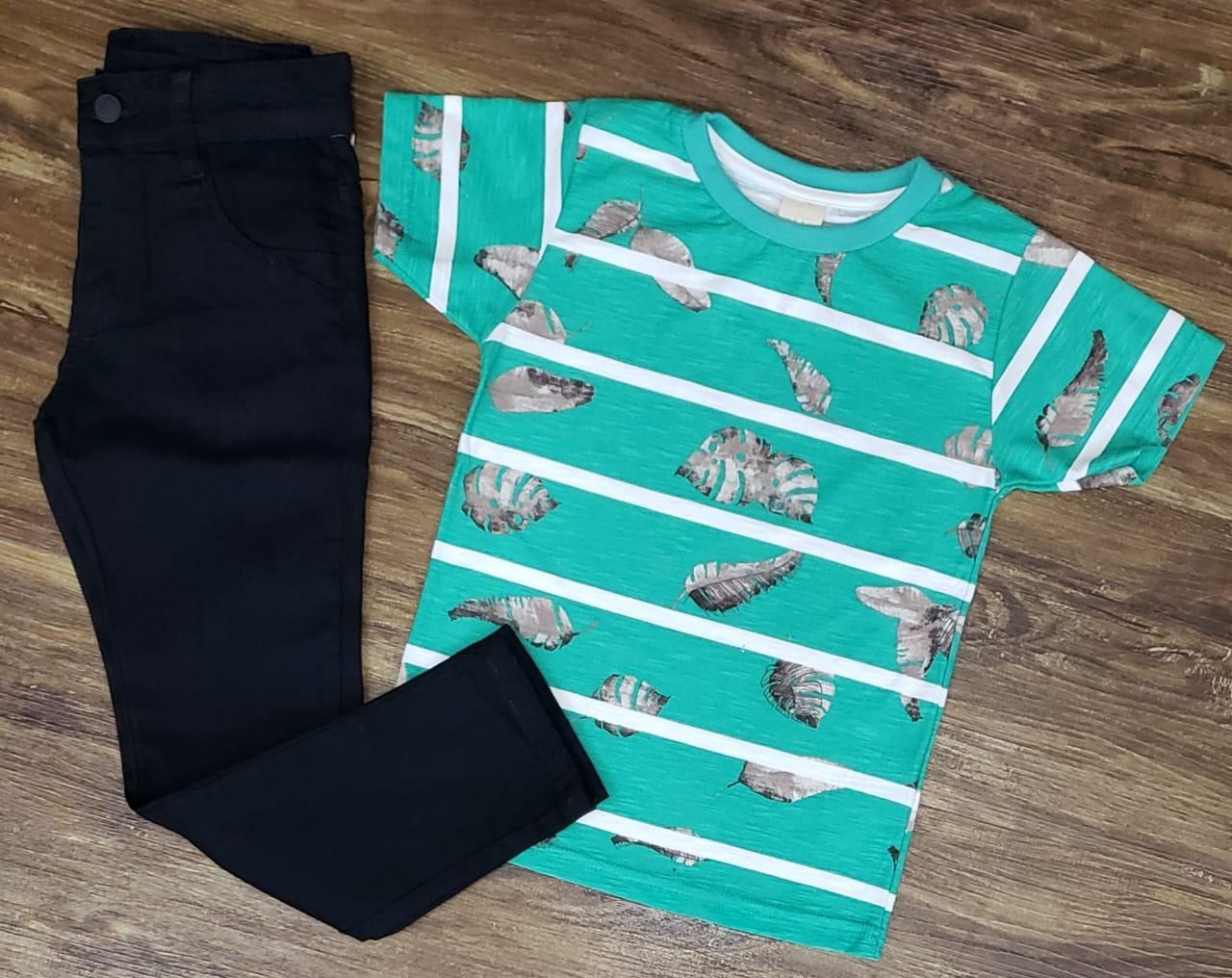 Calça Preta com Camiseta Verde Floral Infantil