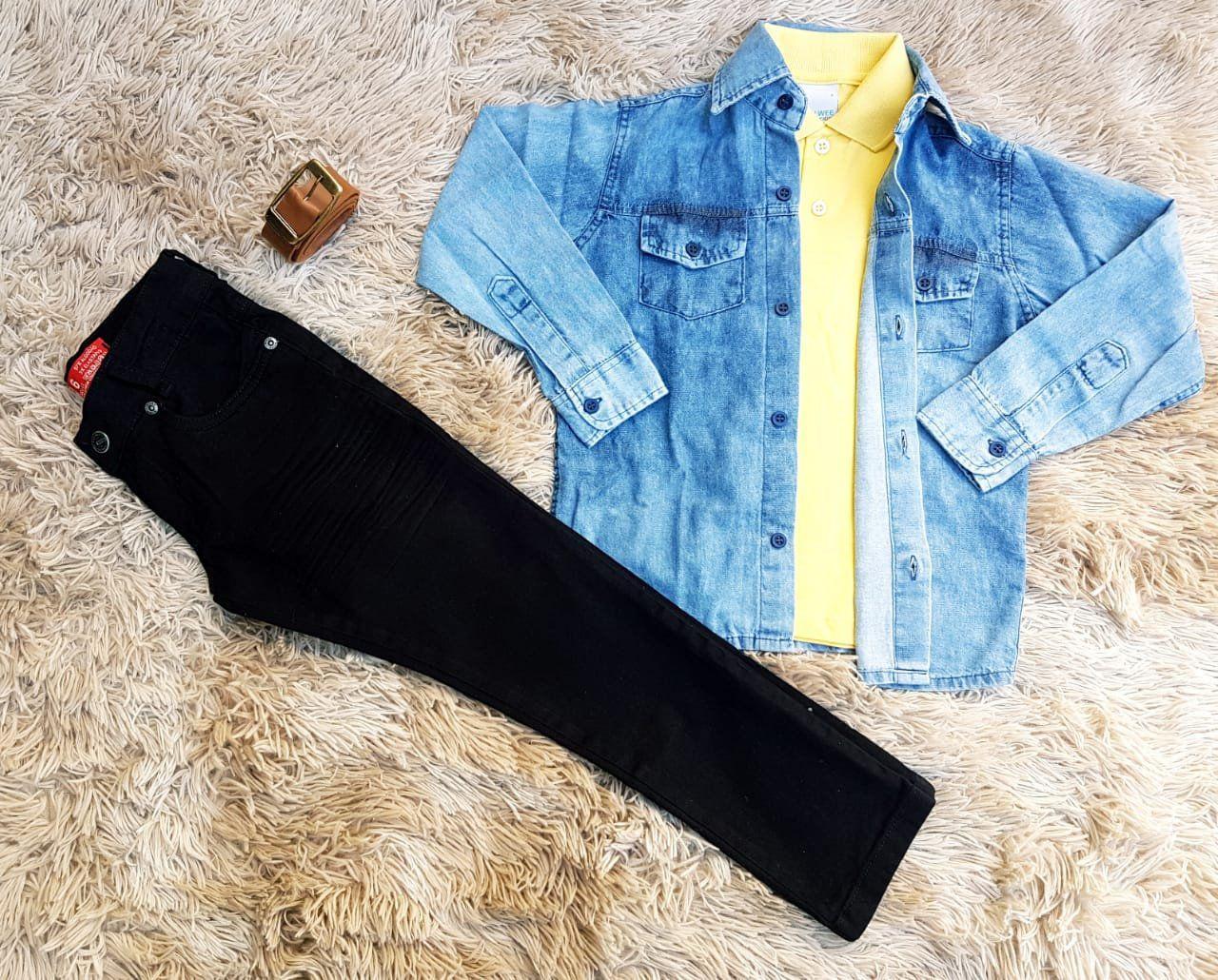 Calça Preta com Polo Amarela e Camisa Jeans