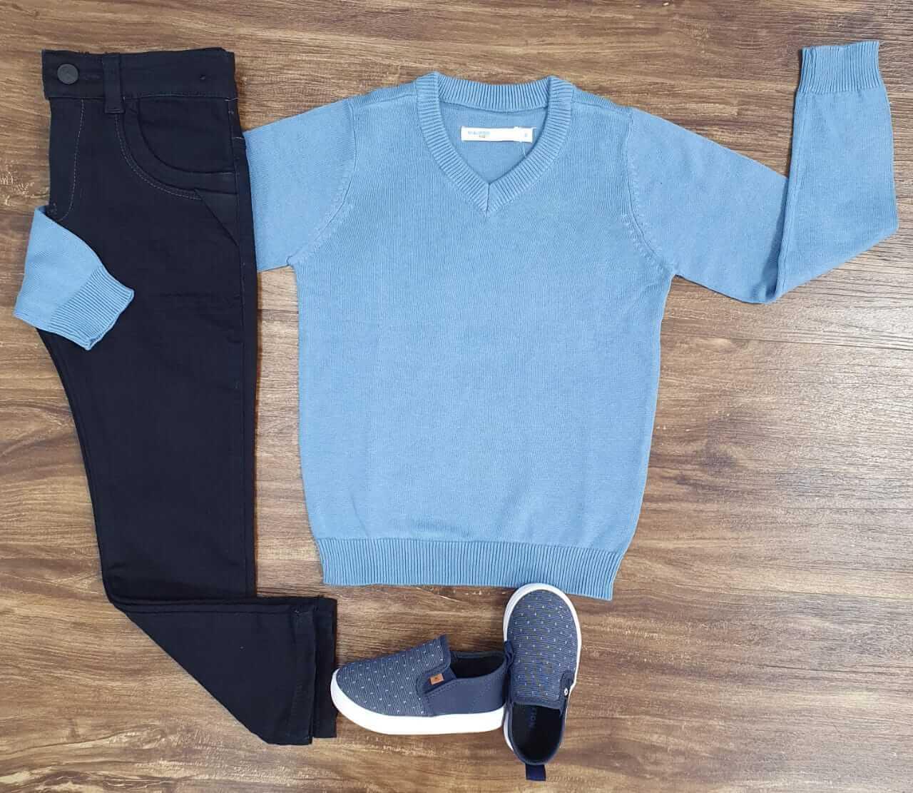 Calça Preta com Suéter Azul Bebê