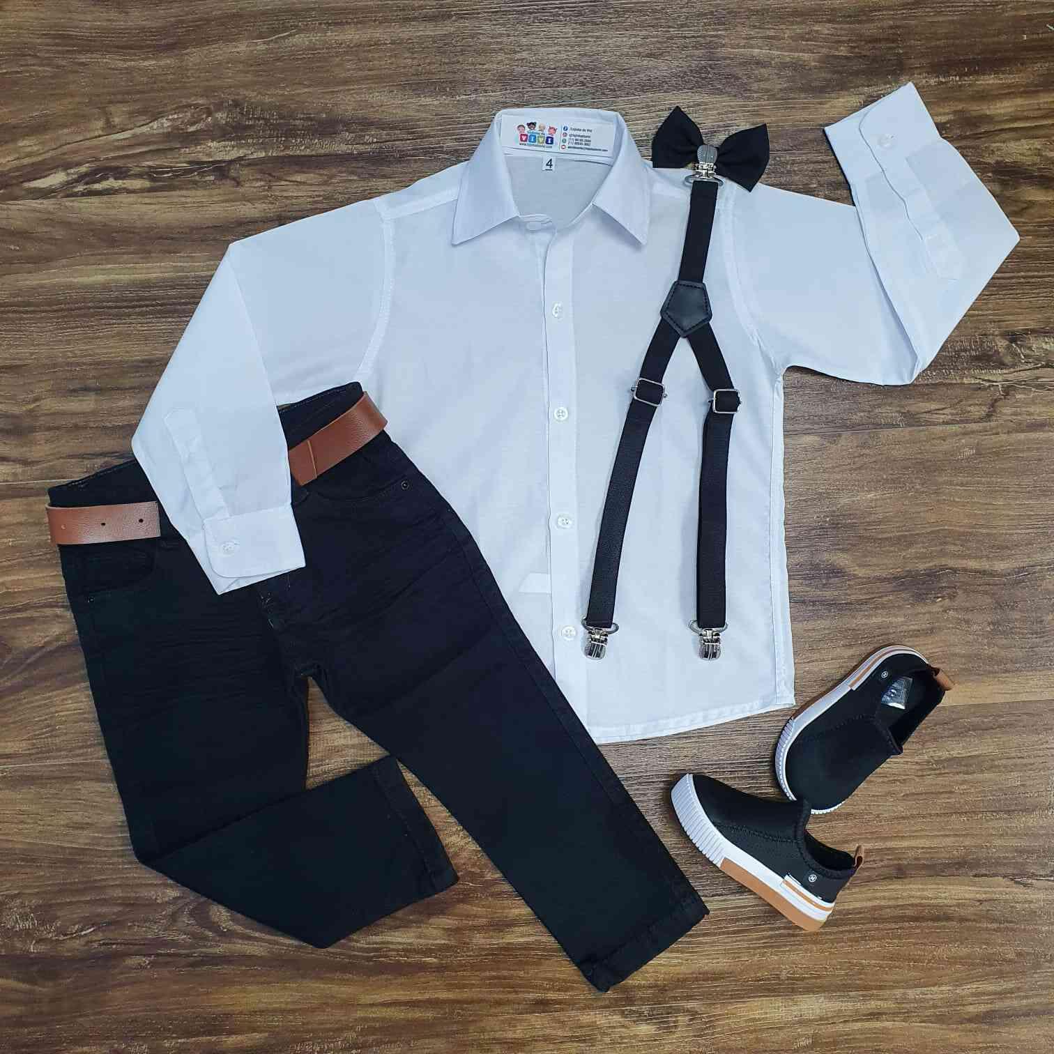 Calça Preta com Suspensório e Camisa com Gravata