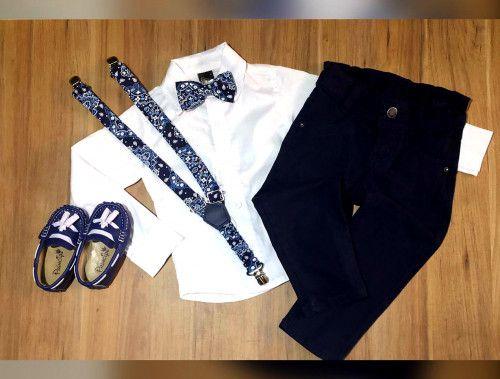Calça Preta com Suspensório e Camisa Social com Gravata