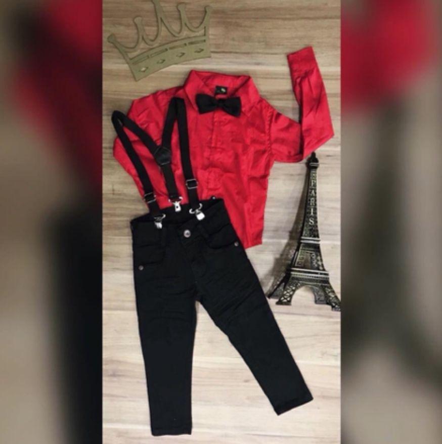 Calça Preta com suspensório e Camisa Vermelha com Gravata