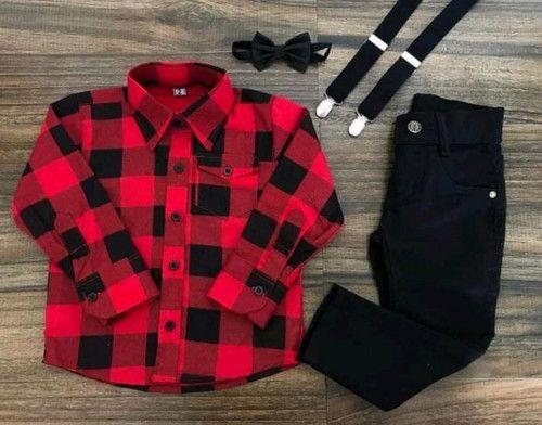 Calça Preta com Suspensório e Camisa Xadrez com Gravata
