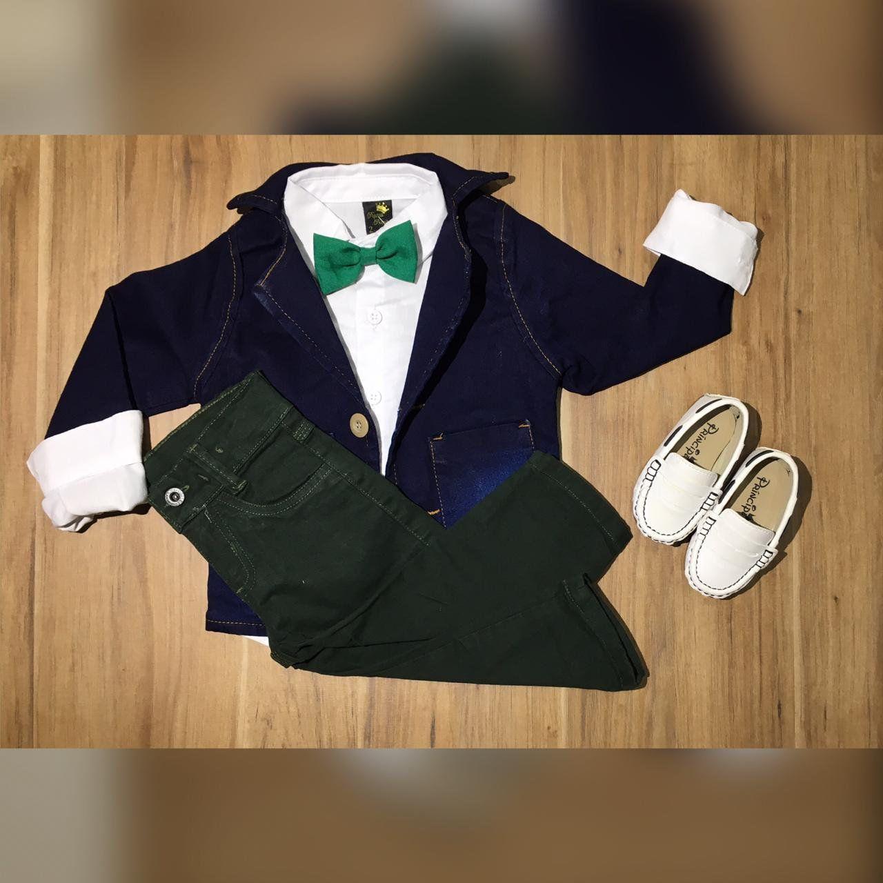 Calça Verde Camisa Branca e Gravata com Blazer Jeans