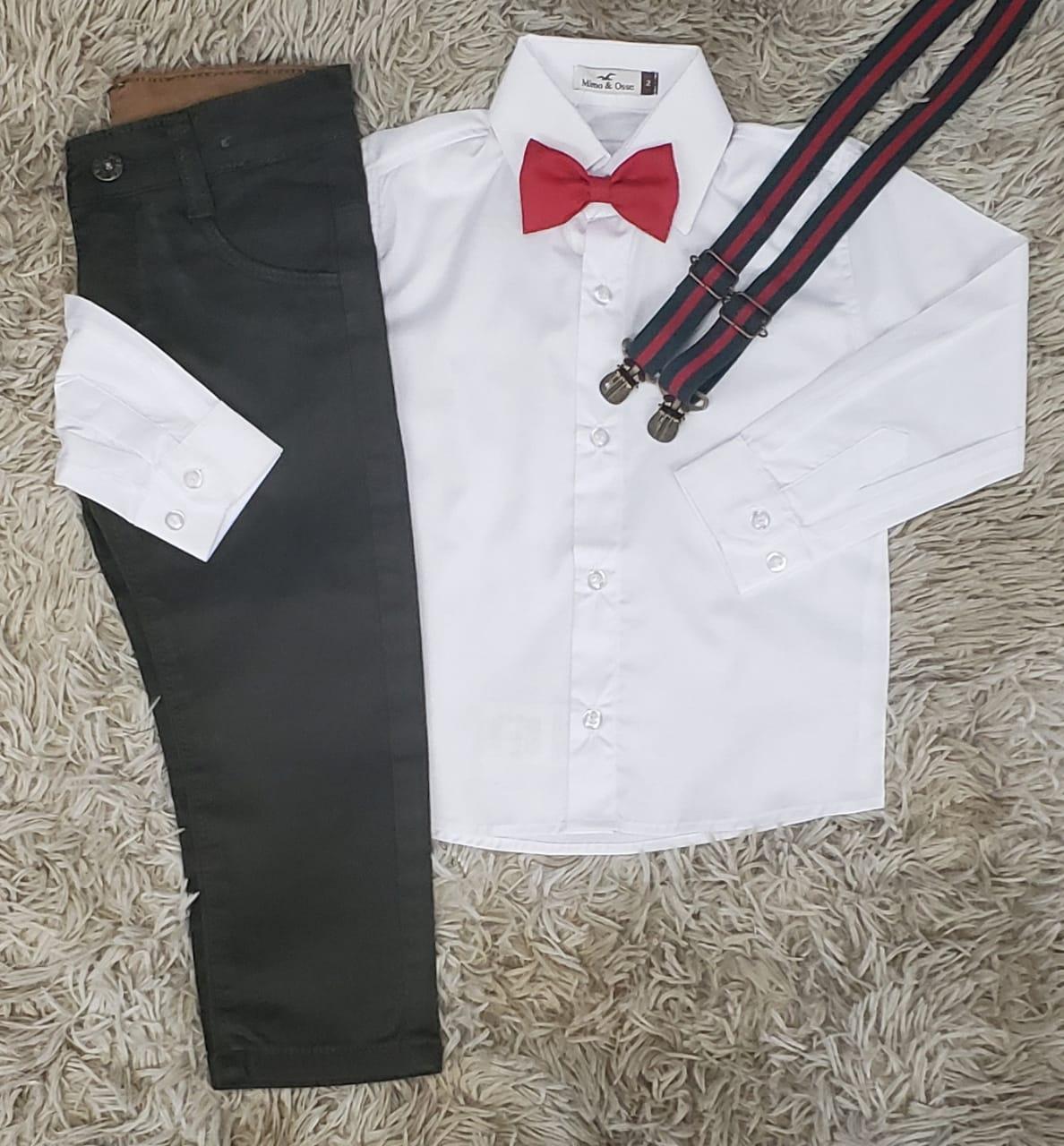 Calça Verde Musgo com Suspensório e Camisa Manga Longa com Gravata