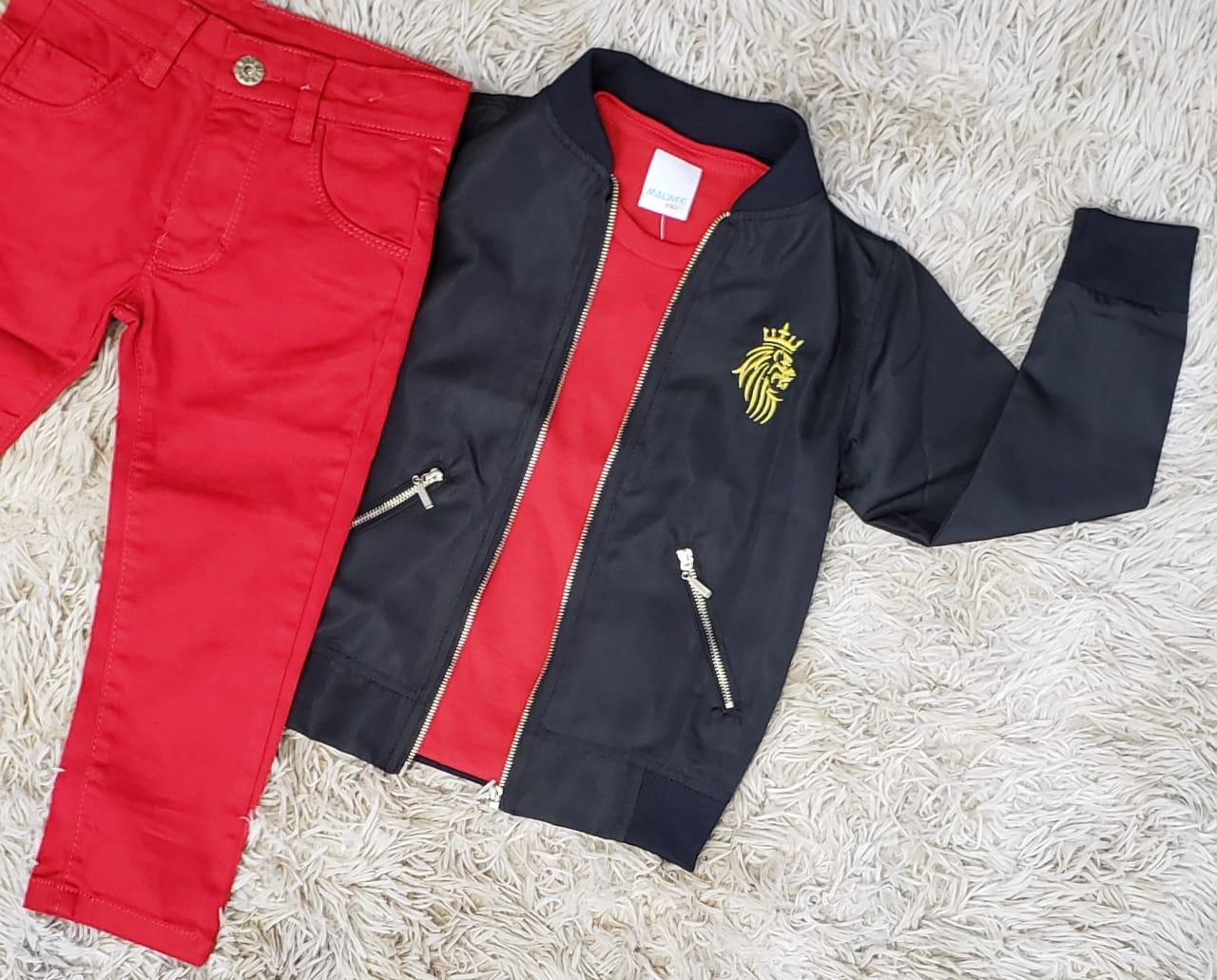 Calça Vermelha com Camiseta e Jaqueta Corta Vento