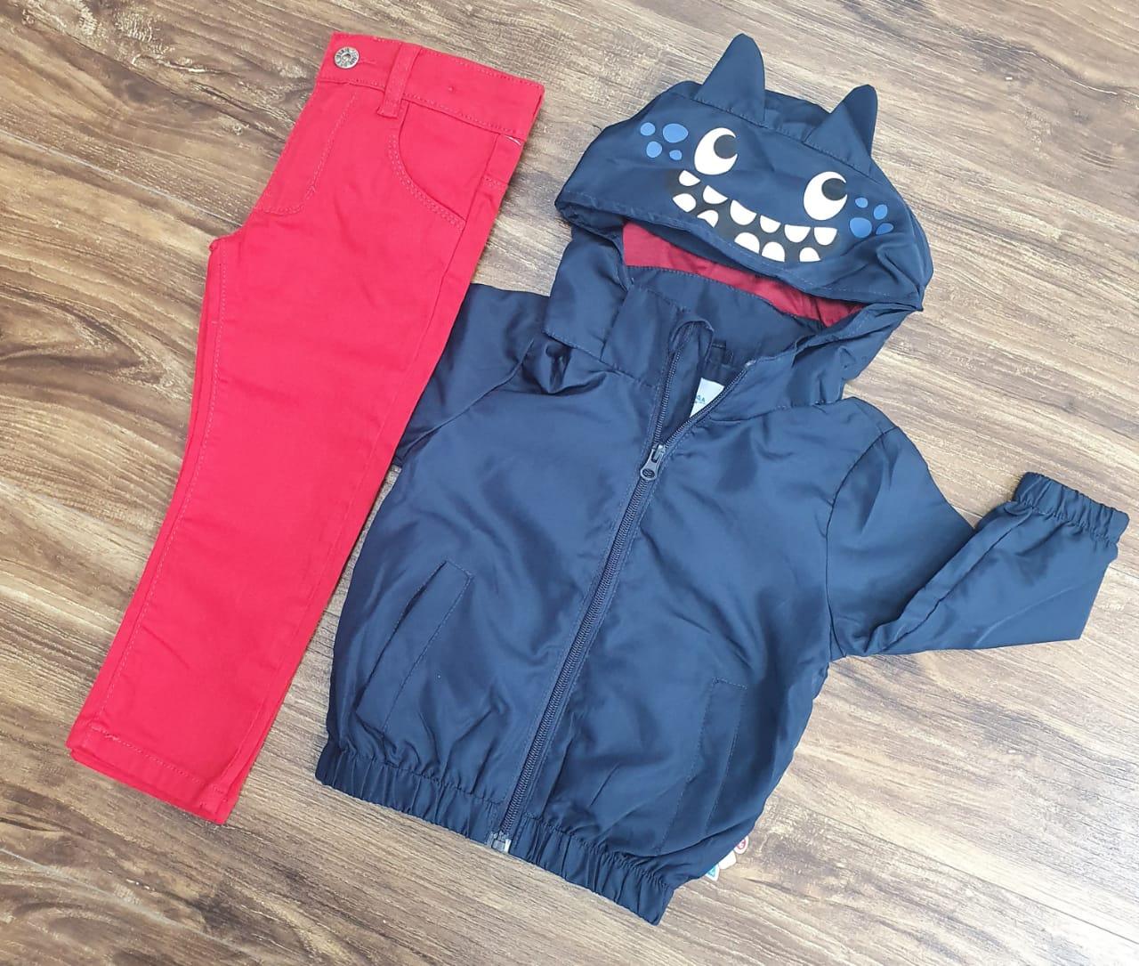 Calça Jeans Vermelha com Jaqueta Corta Vento Infantil