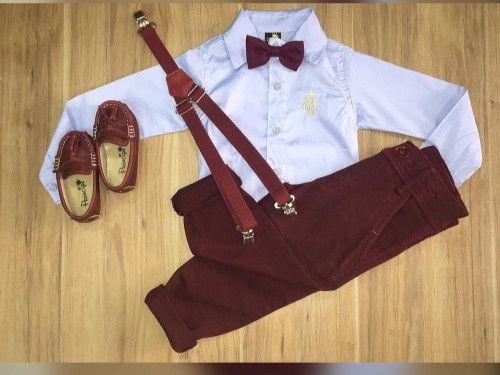 Calça Vinho com Suspensório e Camisa Manga Longa com Gravata