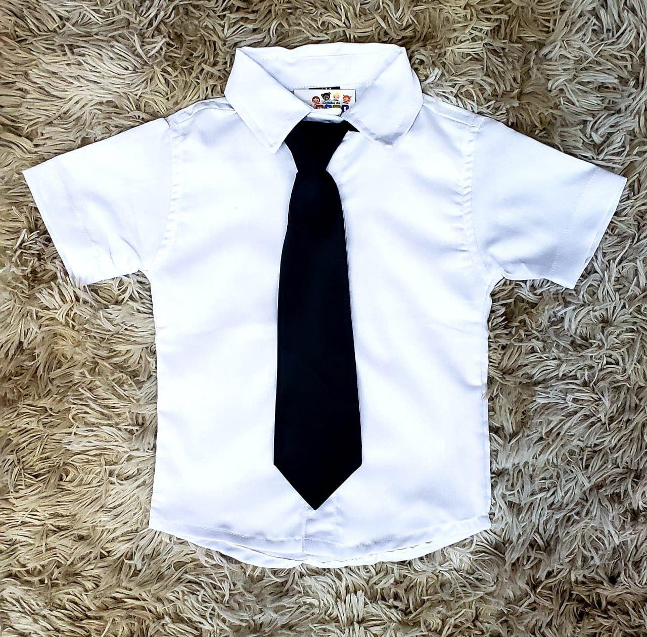 Camisa Branca com Gravata