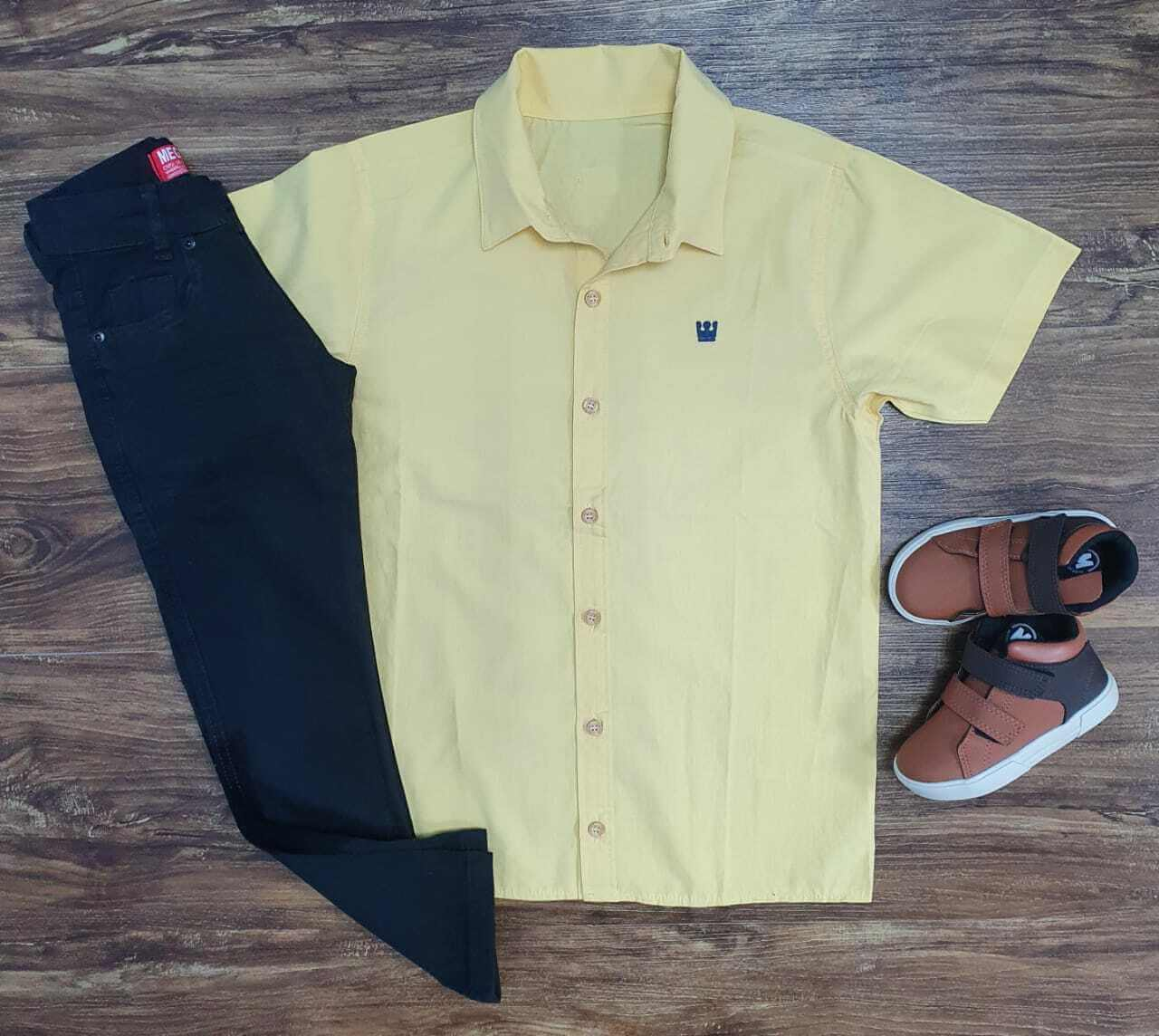 Camisa Social Amarela com Calça Jeans Infantil