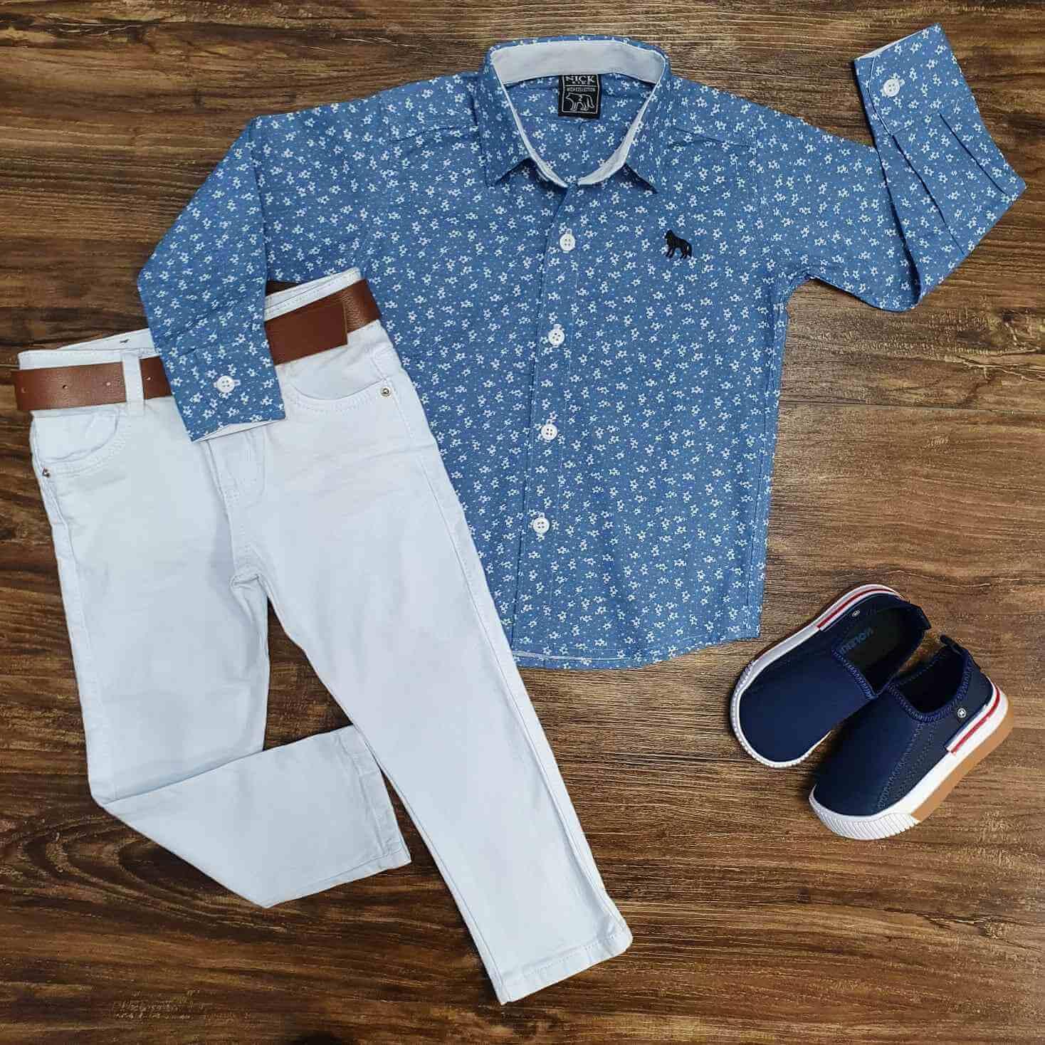 Camisa Social Azul e Branca com Calça Jeans Branca Infantil
