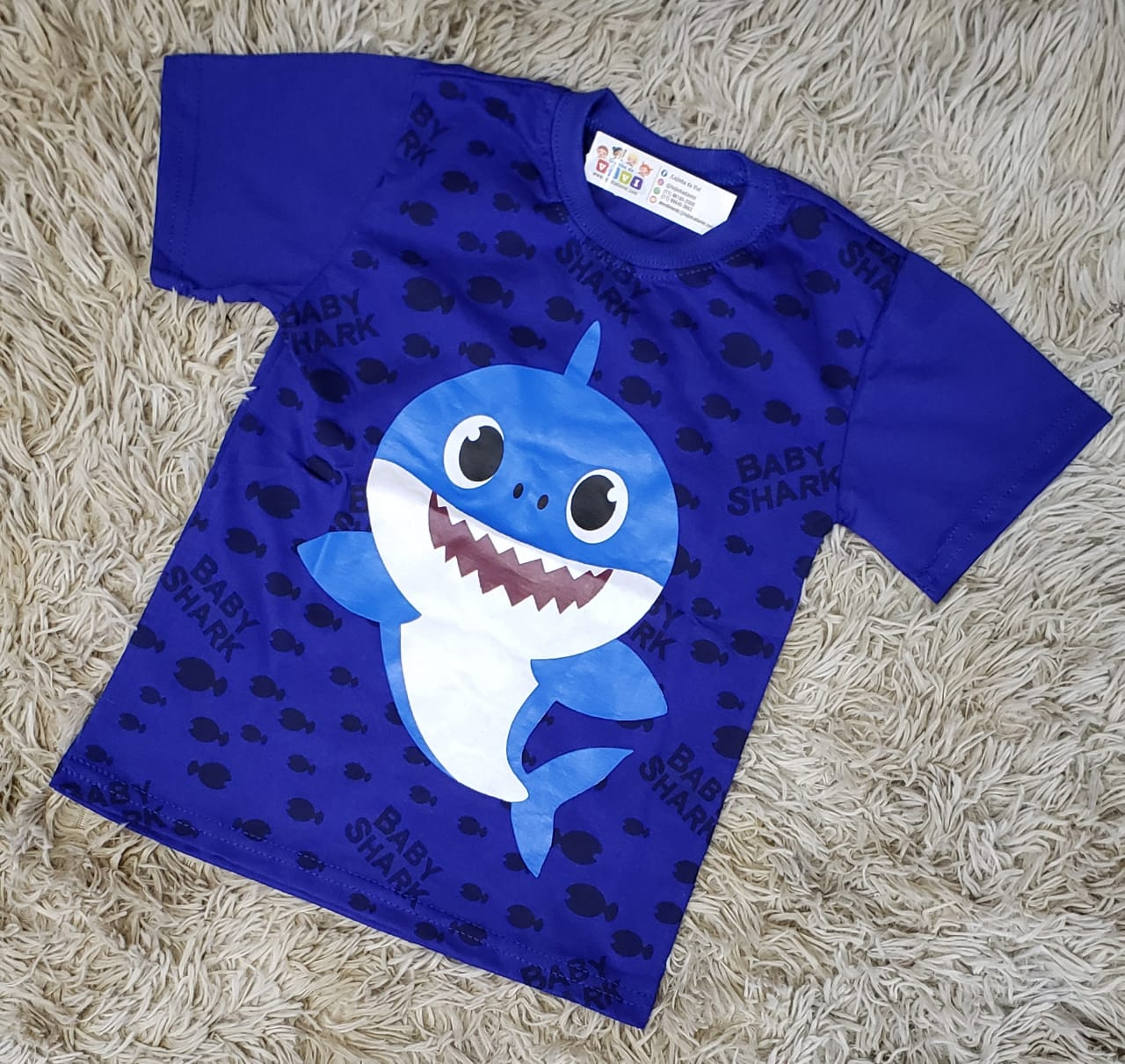 Camiseta Baby Shark Azul