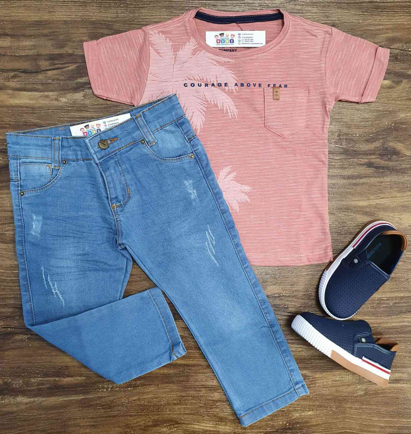 Camiseta Above Salmão com Calça Jeans Infantil