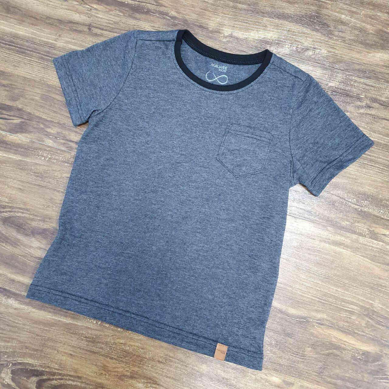 Camiseta Preta com Bolso Infantil