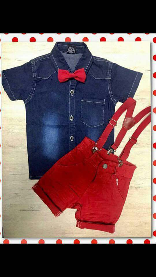 Conjunto Bermuda Vermelha com Suspensório Vermelho e Camisa Jeans com Gravata Borboleta Vermelha
