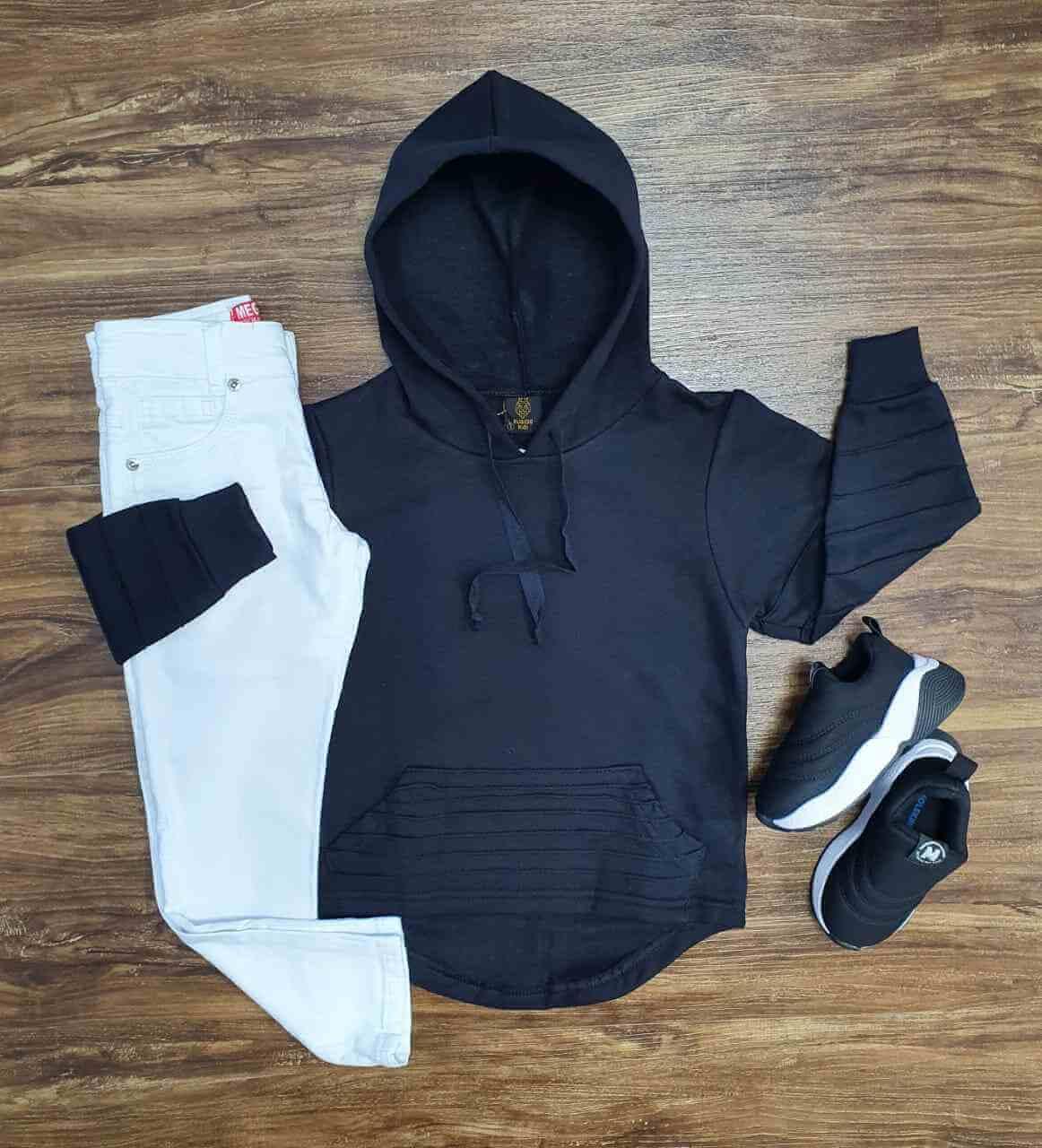 Conjunto Blusa Preta com Calça Branca Infantil
