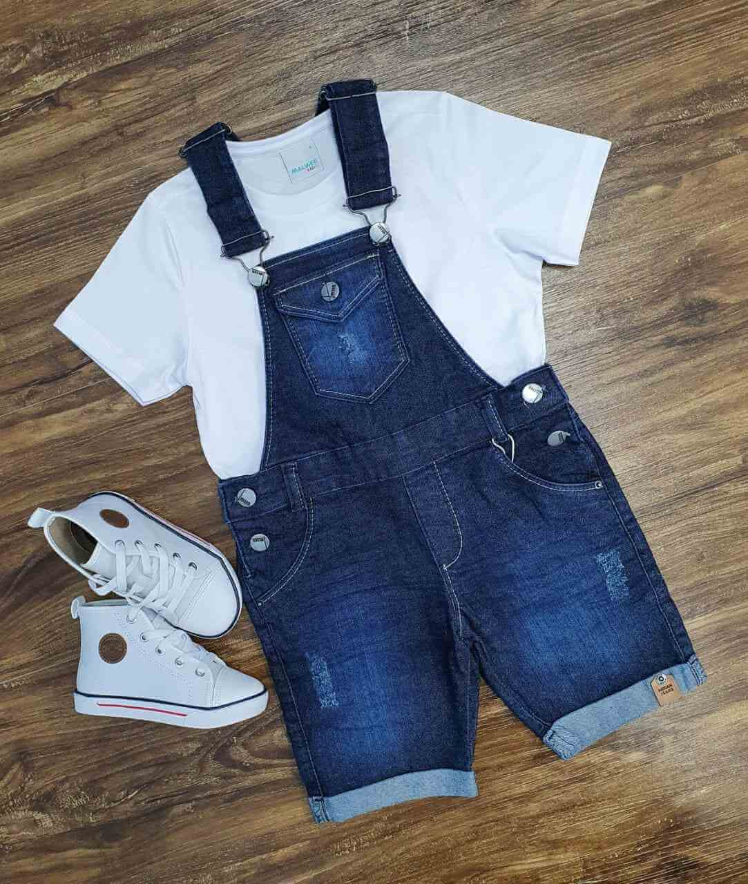 Jardineira Bermuda com Camiseta Branca Infantil