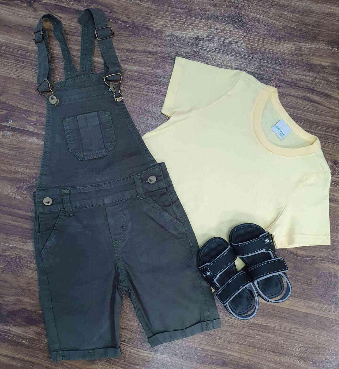 Jardineira com Camiseta Amarela Infantil