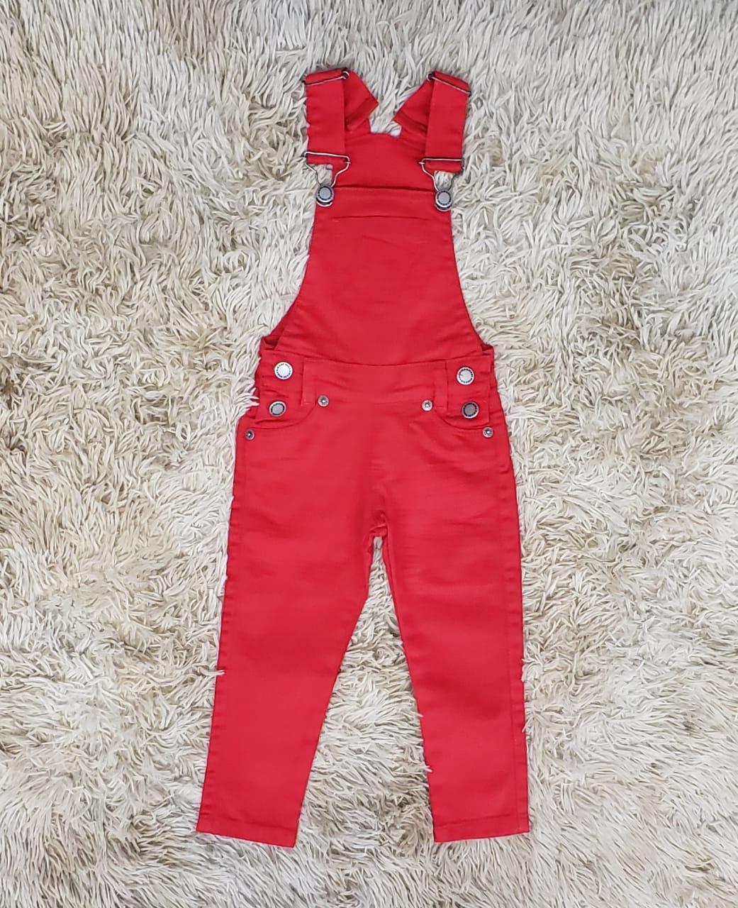 Jardineira Jeans de Calça Vermelha