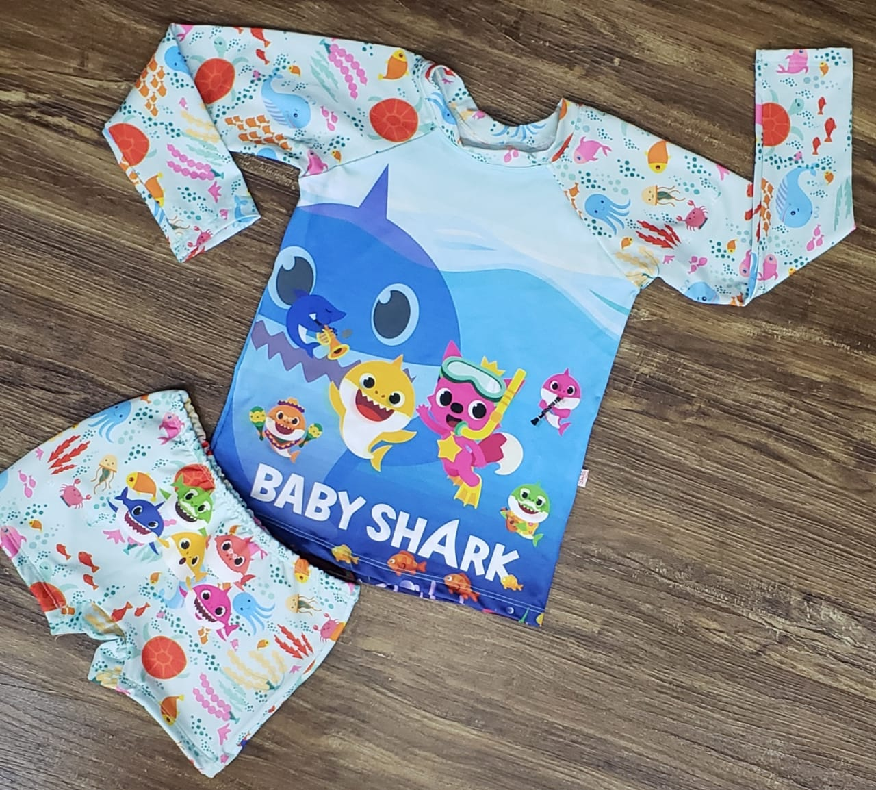 Kit Praia Baby Shark - Sunga e Camiseta