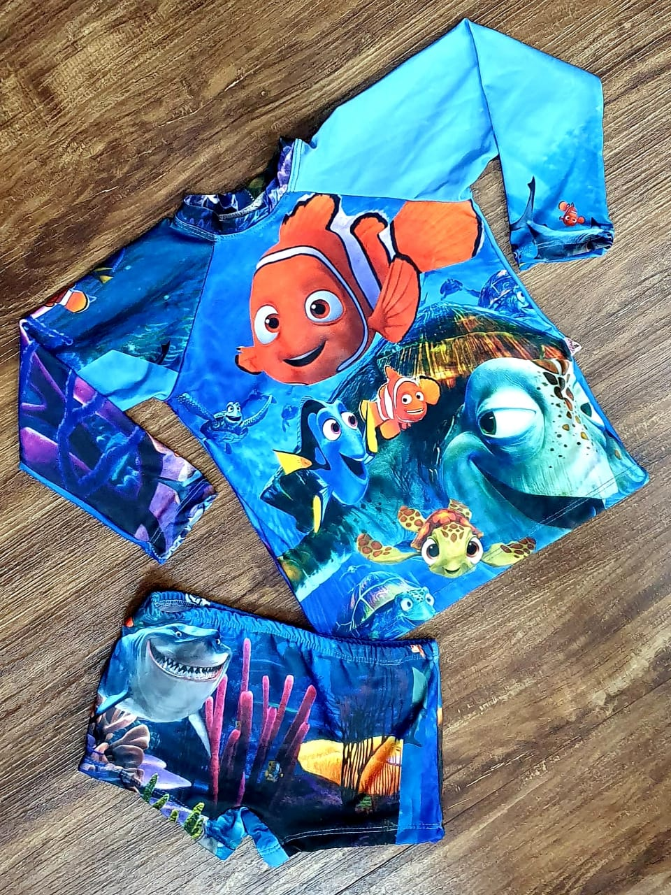 Kit Praia Procurando Nemo - Sunga e Camiseta UV
