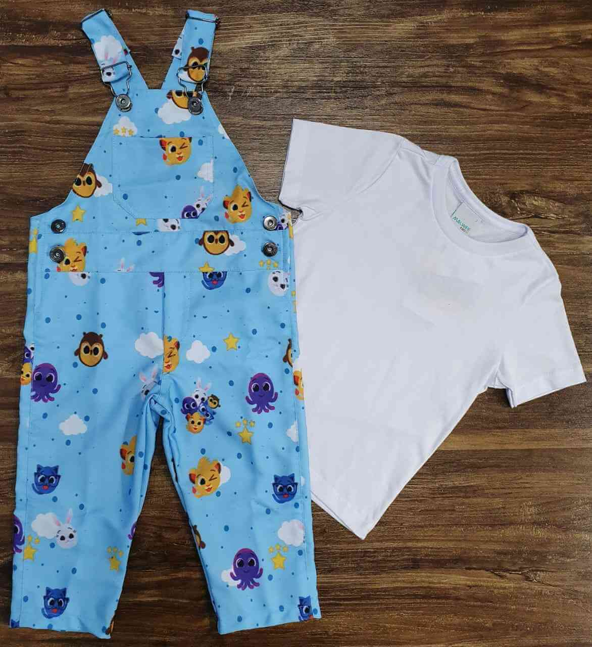 Look Bolofofos com Camisa Branca Infantil