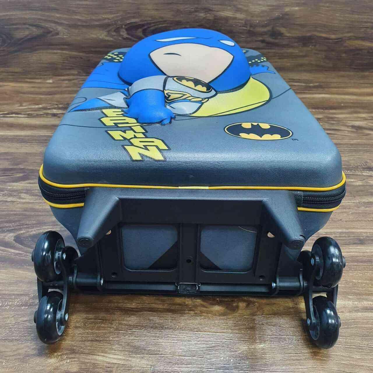 Mochila 3D com Rodinhase Super Friends Batman Infantil