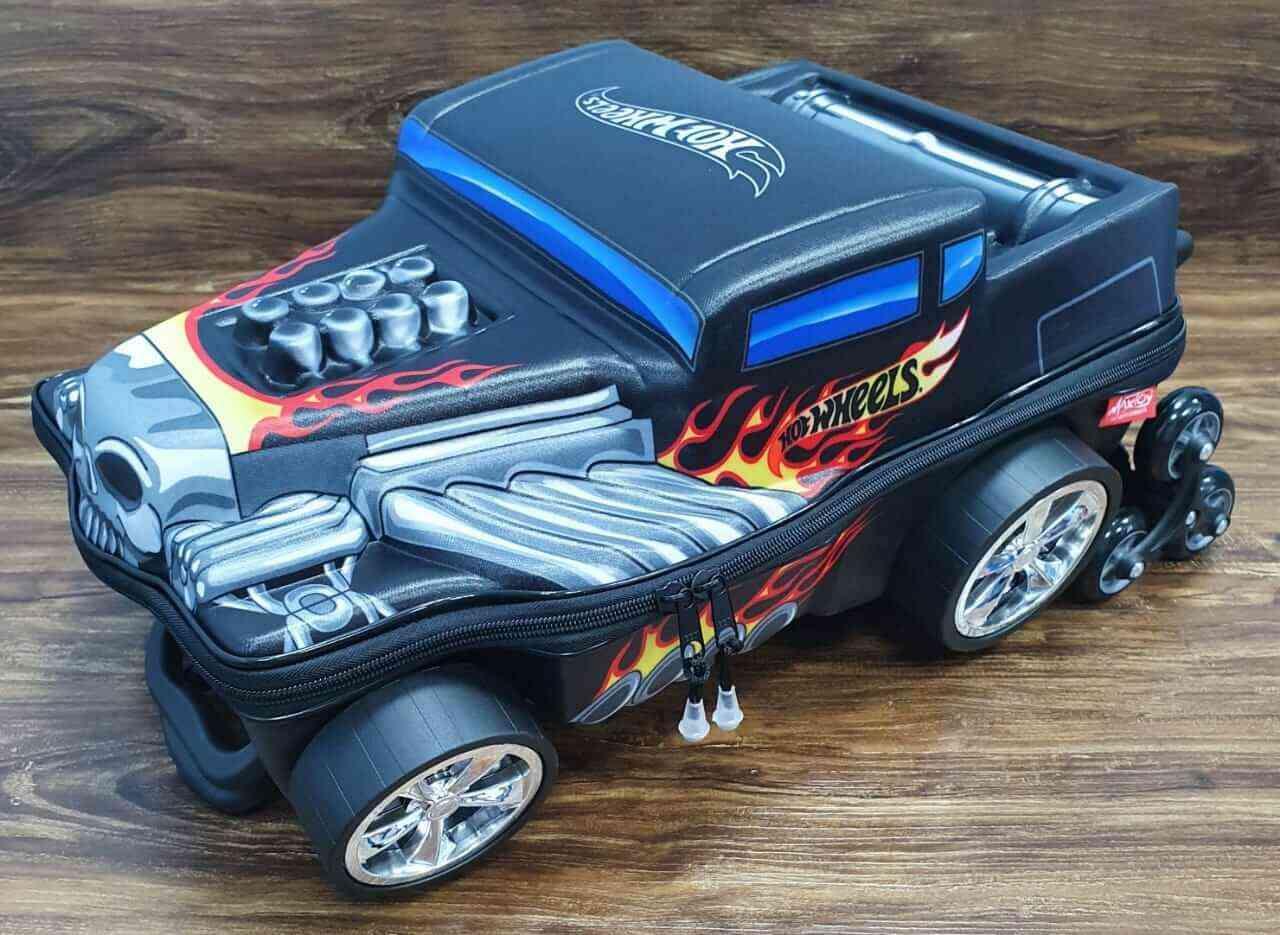 Mochila Hot Wheels Bone Shaker 3D com Rodinhas e MaxToy