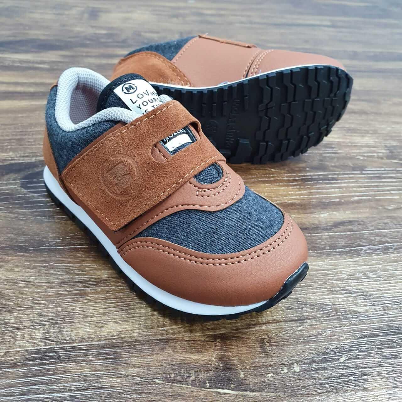 Tênis de Velcro Camurção Infantil