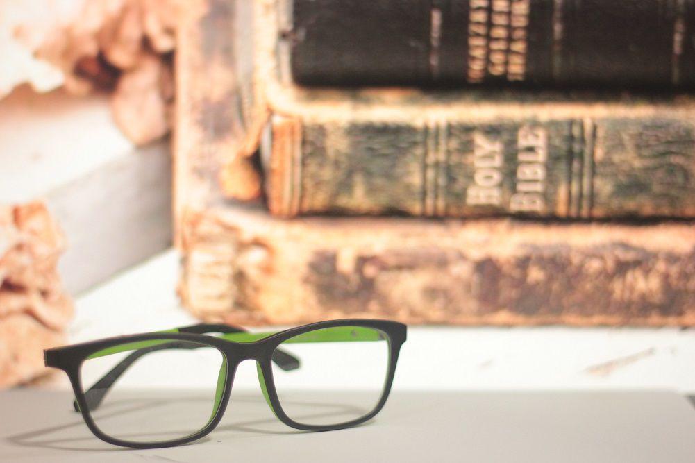 Armação para Óculos de Grau Khatto Square Elementar