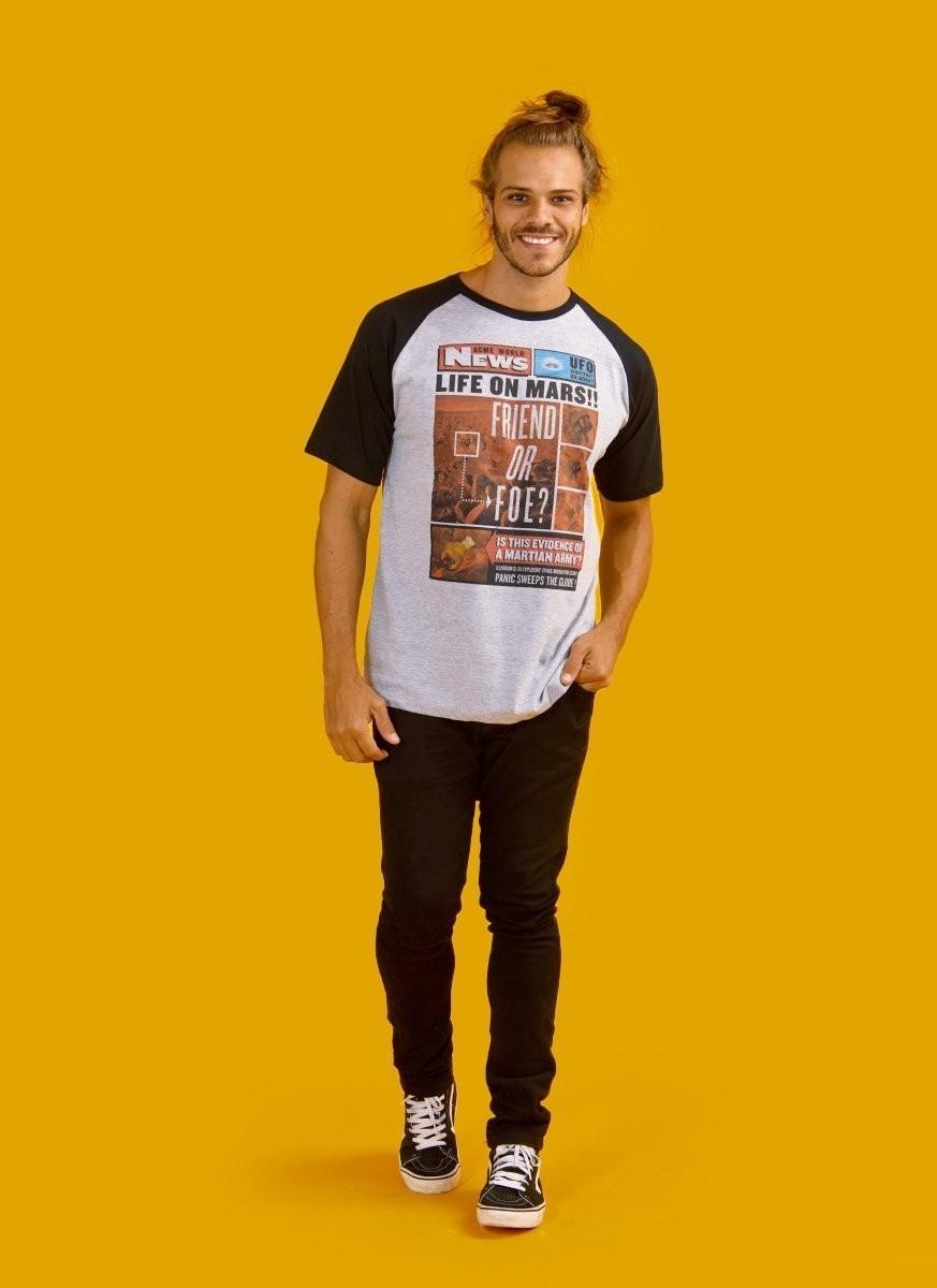 Camiseta Raglan Masculina Marvin Friend or Foe?
