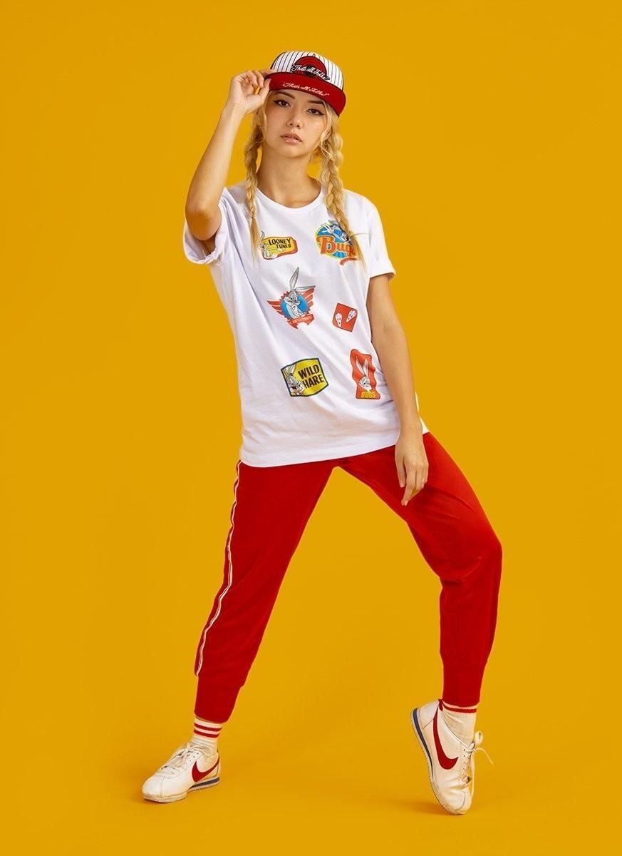 Camiseta Feminina Pernalonga Vintage Patch Bunny