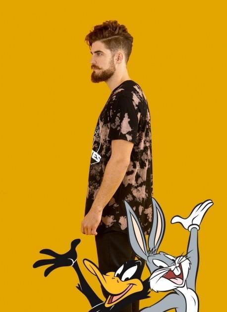 Camiseta Masculina Looney Tunes Black and White Party