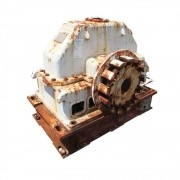 REDUTOR DEDINI F1B-525  720HP  F S  2 5  4680 RPM ENTRADA E 750 RPM SAÍDA  F R  1 6  24 (101 761)