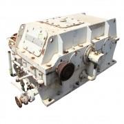 REDUTOR RENK ZANINI SDTC-45  1234 HP  F S  2 5  4600 RPM ENTRADA E 416 99 RPM SAÍDA  F R  1 11 031