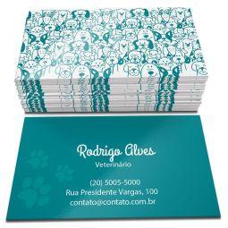 500 Cartões de Visita - 48x88mm - Couchê Brilho 250g - 4x4 - Verniz Total Brilho Frente e Verso - Refile