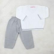 Conjunto Tricô Baby Casaco Branco + Calça Cinza